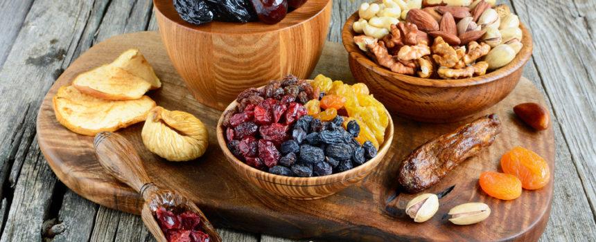 manger-des-fruits-secs-pendant-un-regime